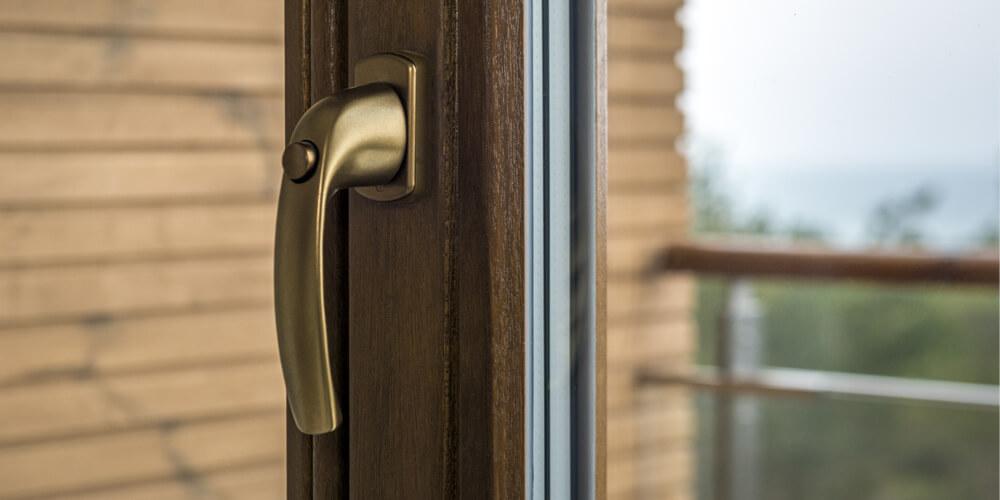 деревянный оконный профиль